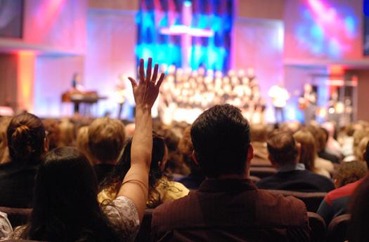 Asistir a la iglesia reduce la presión arterial, señala estudio científico  - Noticias Cristianas del Acontecer Cristiano